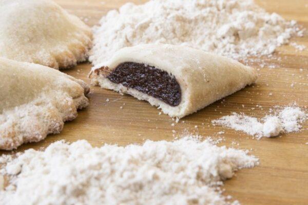 Cassatelle di agira tradizionali mandorla cacao